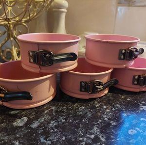 5x pink mini baking/ cake tins
